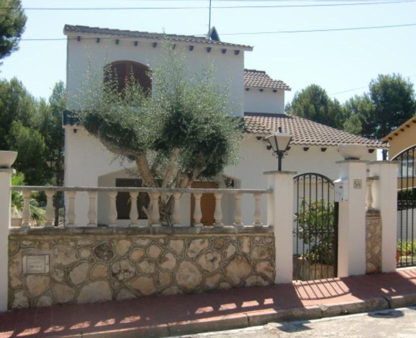 Villa en bord de mer et avec piscine non loin de barcelone - Villa bord de mer ...