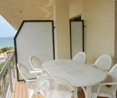 T3 neuf climatisé pour 4 pers terrasse-piscine-plage 50 m
