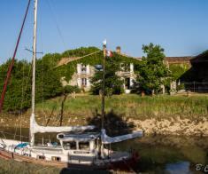 Médoc France Rare demeure de charme sur un port